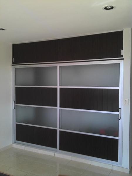 Closet vidrio y aluminio meller for Closet de aluminio