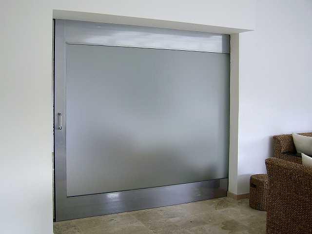 Puertas vidrio y aluminio meller for Puerta corrediza de aluminio